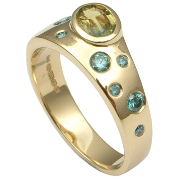 Gold dress ring